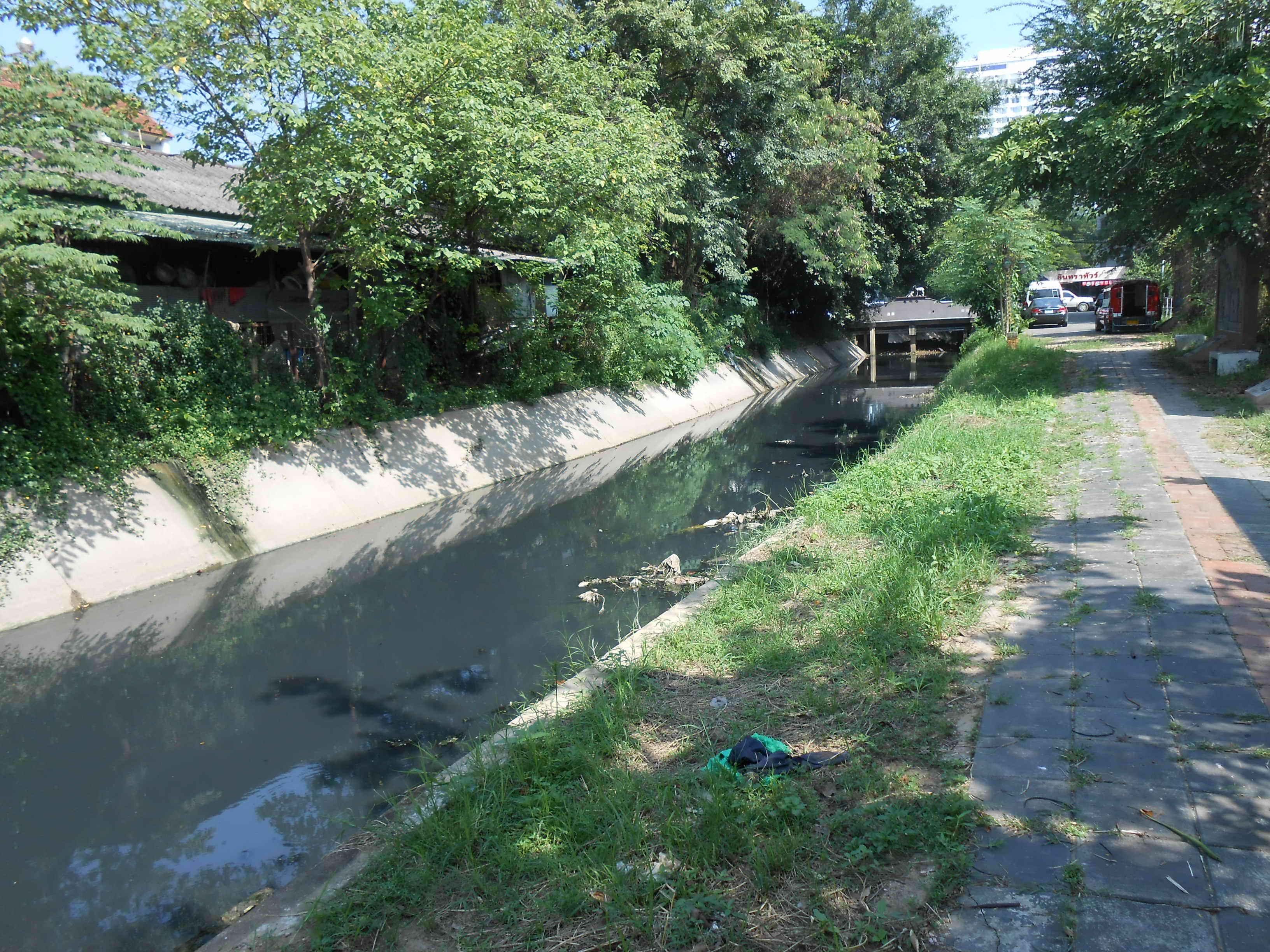 Mae Kha Canal – Black to Normal